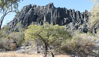 chillagoe-caves-royal-arch-bluff-